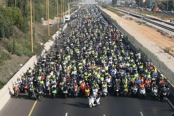 מטה מאבק הרוכבים נלחמים בגזל חברות הביטוח לאופנועים ולדו-גלגלי